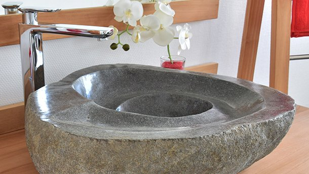 Vasques en pierre de rivière